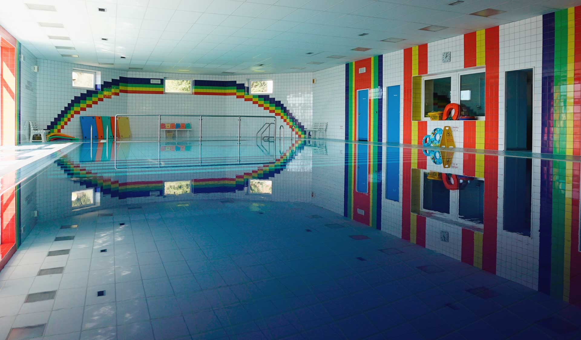 Sporting and rehabilitation center with swimming pool and a fitness centre